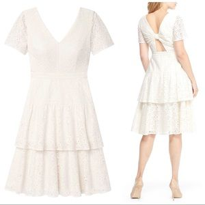 NWT Gal Meets Glam Crochet Lace Bow Back Dress